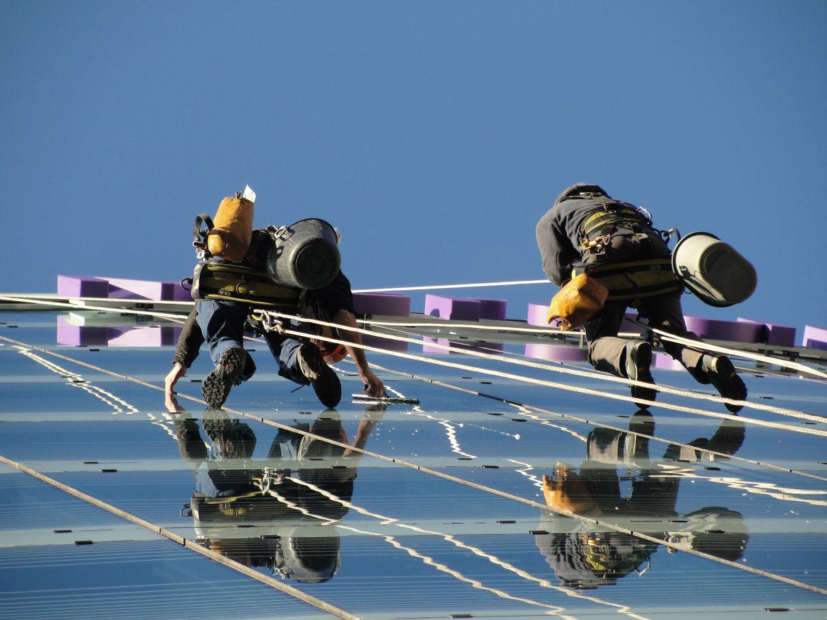 Nettoyage-de-vitres-travaux-sur-cordes-Clermont-Ferrand